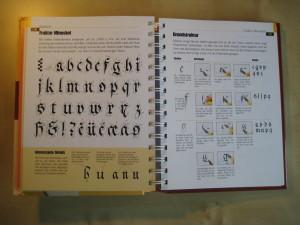 Frajtur MInuskel aus der 'Enzyklopädie Kalligraphie'